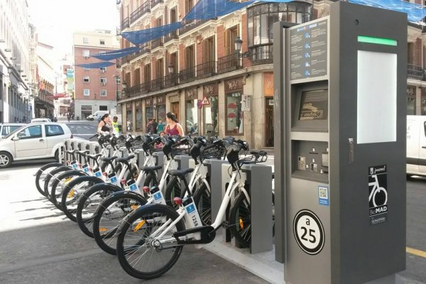 electric powered bikes in Madrid BiciMAD