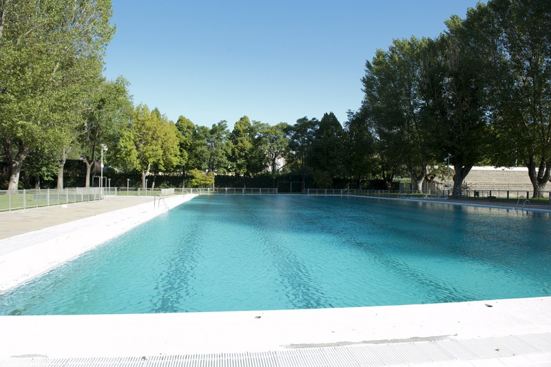 Summer pool by UCM