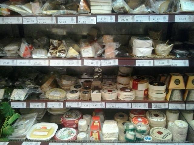 santa cecilia- cheeses (blurry)