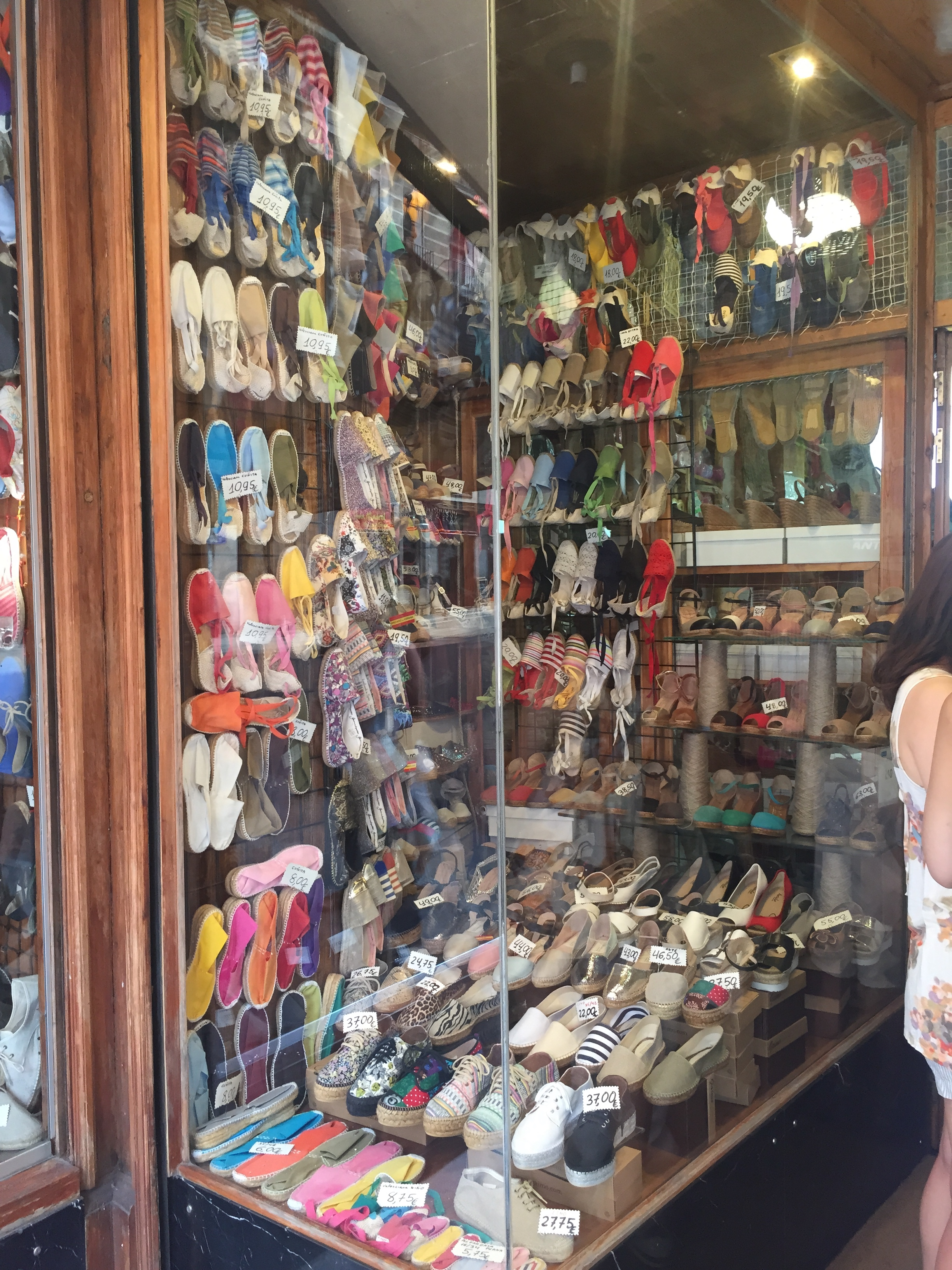 d8ee3b466800 Espadrilles  3 places in Madrid to get your hands on one of Spanish  footwear s greatest items