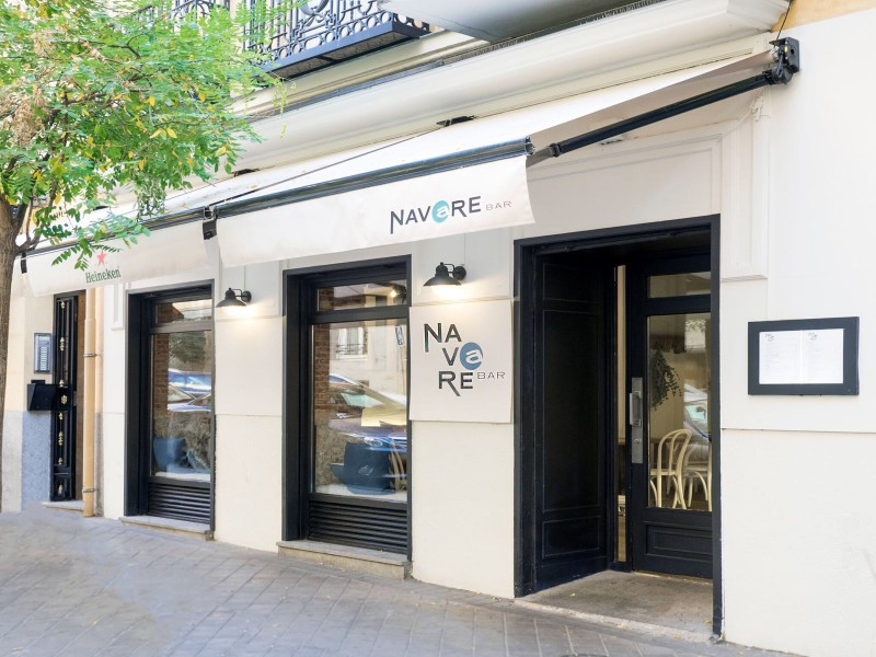 Navare_bar_Naked_Madrid_8